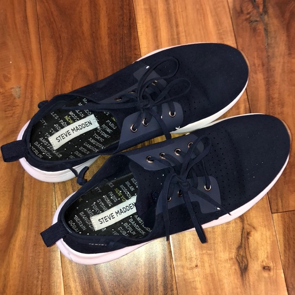 fa57dc97214 Steve madden perforated sneaker size 8.5